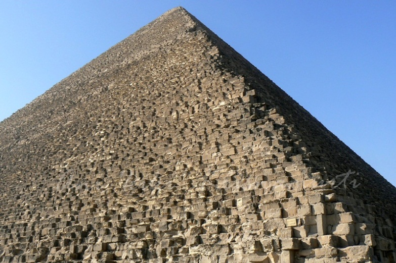 pyramid-of-khufu- the greatest,tallest
