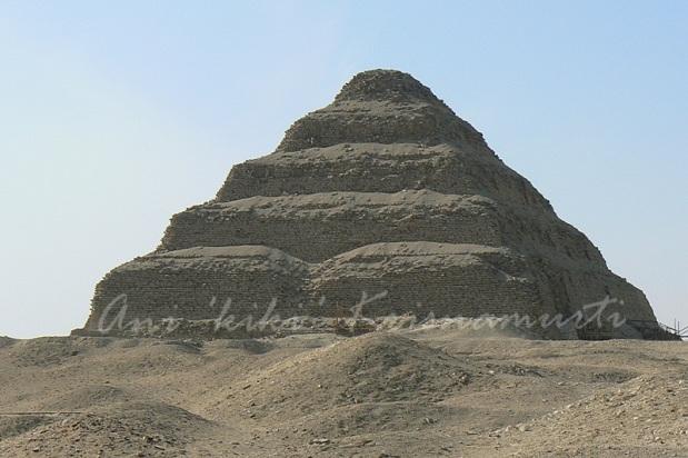 saqqara-step-pyramid-of-zoser