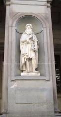 Leonardo da Vinci (statue outside the Uffizi gallery)