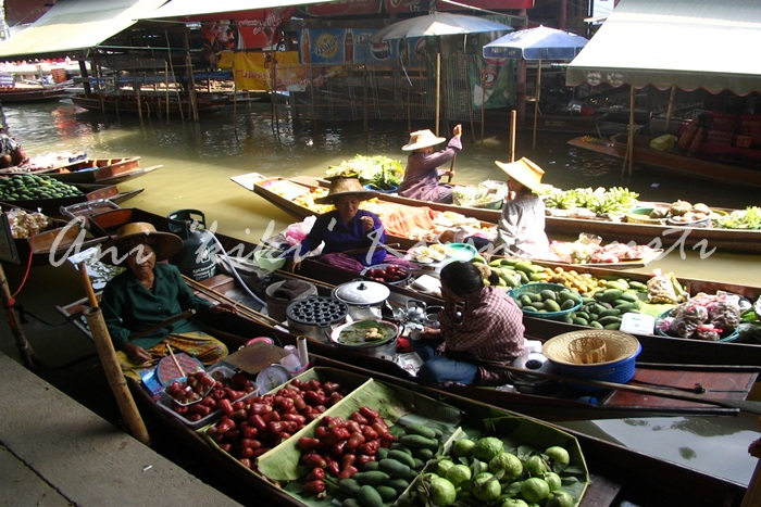 damnoen saduak-floating market