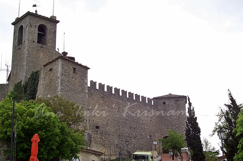1st-tower-fortress-of-guaita