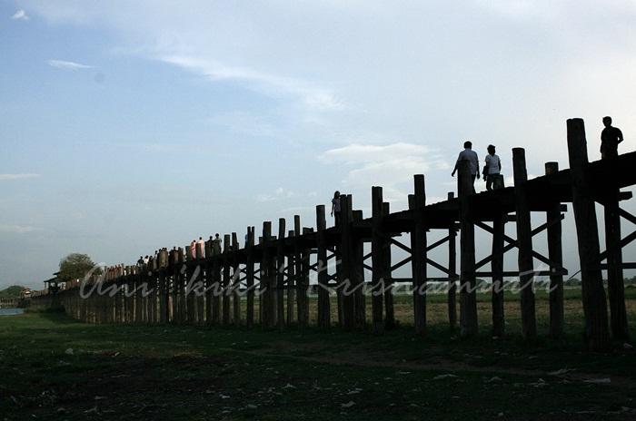 u beins bridge the world:s longest teak bridge