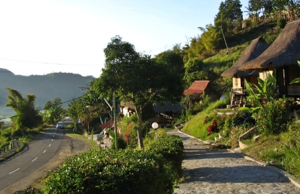 moni-small village for visiting kelimutu