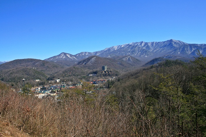 16. GATLINBURG,TN