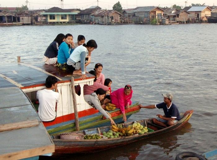 kuin floating market