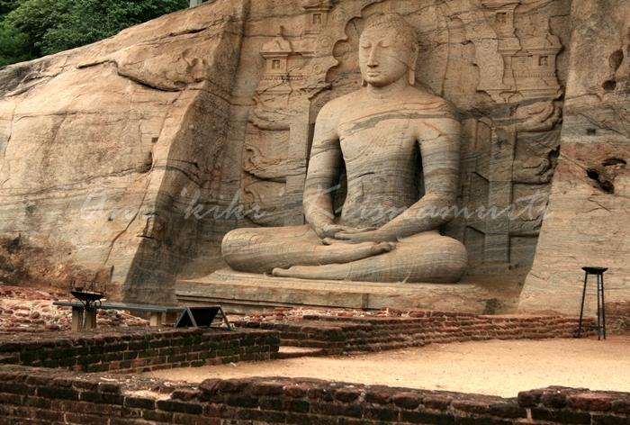 Gal Viharaa group of Buddha images