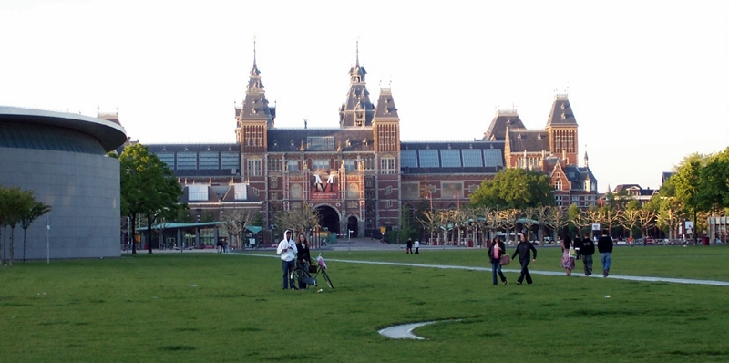Rijksmuseum seen from the Museumplein