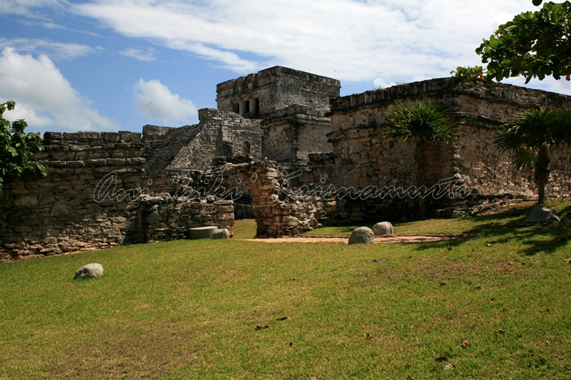 Pyramid El Castillo (The Castle)