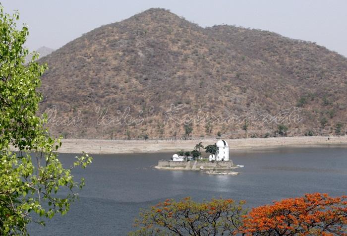 india 090Fateh Sagar Lake&Nehru Palace