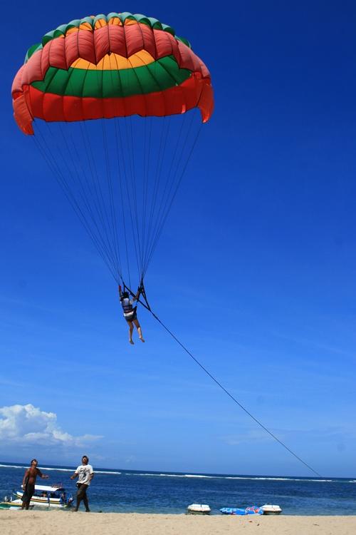 benoa-parasailing