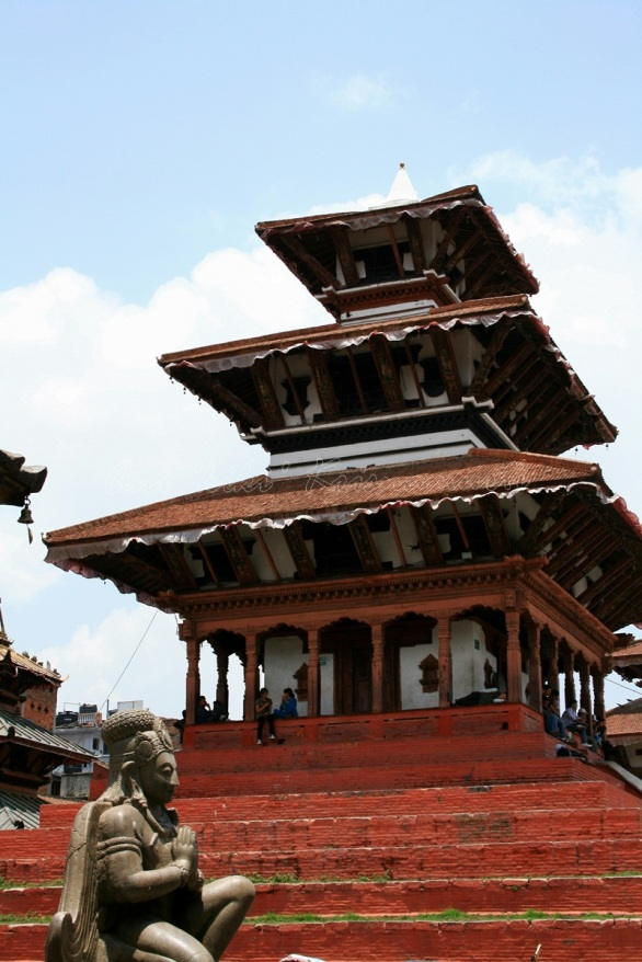 Garuda Statue&Trilokya Mohan