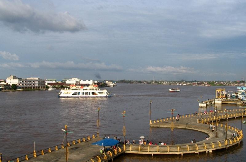pontianak-kapuas river