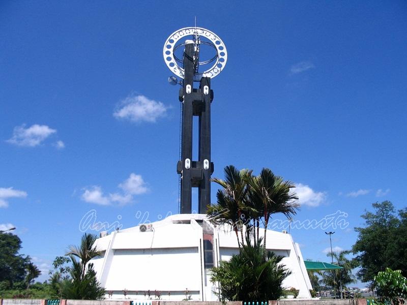 west kalimantan-equator monument