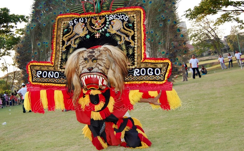 ponorogo, reog,traditional dance