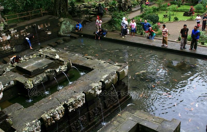 trawas, jolotundo temple
