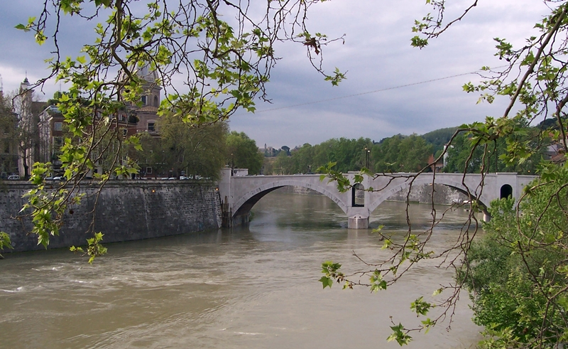 tiber river,rome,italy