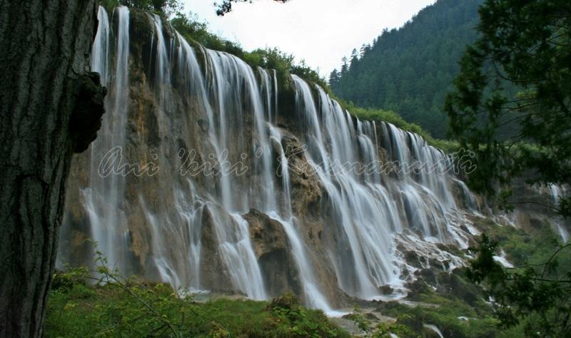 nourilangfalls, jiuzhaigou, china