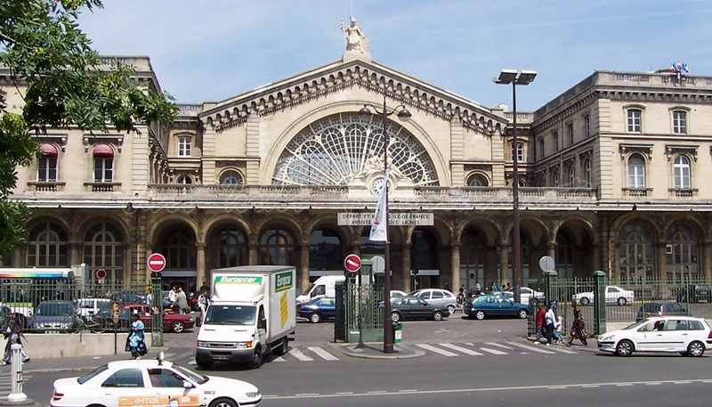 gare de l'est, paris, france